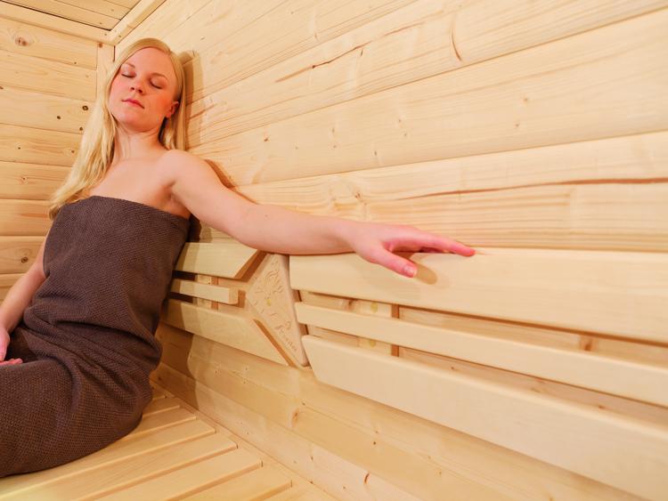 Žena u Finskoj Sauni